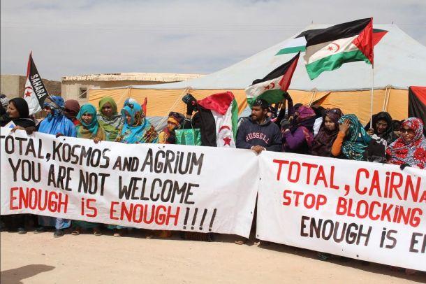 saharawi_women_protest_total_kosmos_agrium_610.jpg